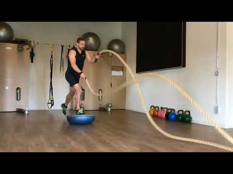 Das Trainingslager | Leg exercise with rope