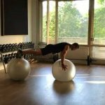 Raphael Jesse from Das Trainingslager : Balance exercise for your core