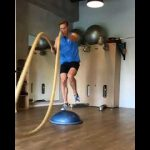 Raphael Jesse from Das Trainingslager: Leg exercise with rope and bosu