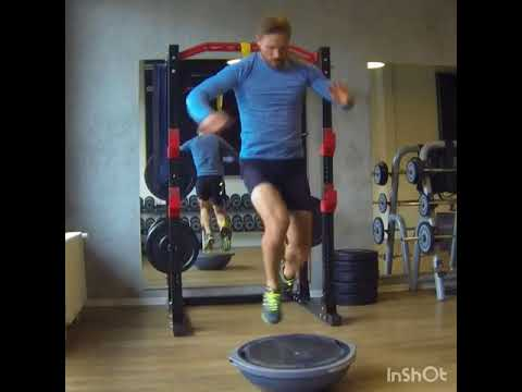 Raphael Jesse from Das Trainingslager : Core exercise