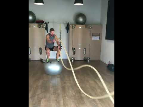 Raphael Jesse from Das Trainingslager: Exercise with rope and Pezziball