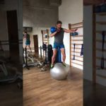 Raphael Jesse from Das Trainingslager: Exercise for balance