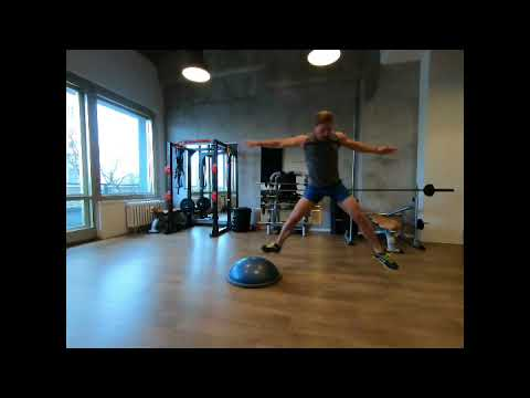 Raphael Jesse from Das Trainingslager : Push ups and jumps with Bosu