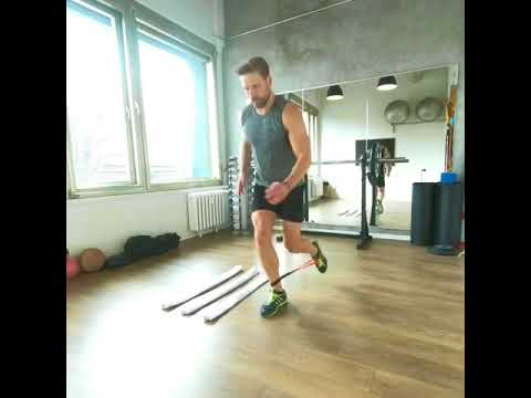 Raphael Jesse from Das Trainingslager : Full body workout with minibands