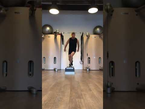 Raphael Jesse from Das Trainingslager : TRX workout