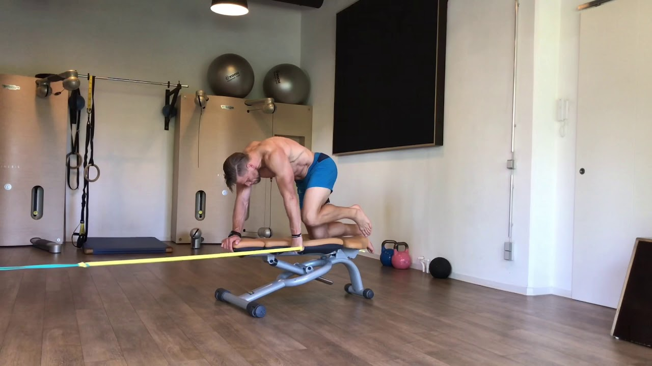 Raphael Jesse from Das Trainingslager : core workout